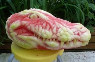 15 Gesichter aus Wassermelonen geschnitzt. Das ist der helle Wahnsinn!