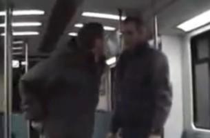 U-Bahn-Attacke auf eine junge Frau. Ein Helfer weiß ihr zu helfen