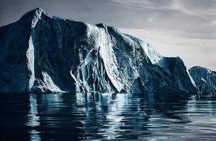 Eisberge, Gletscher und Wellen, nur mit den Fingern gemalt….